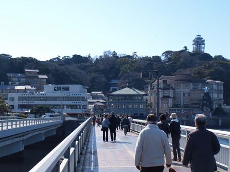 江ノ島の入り口で2